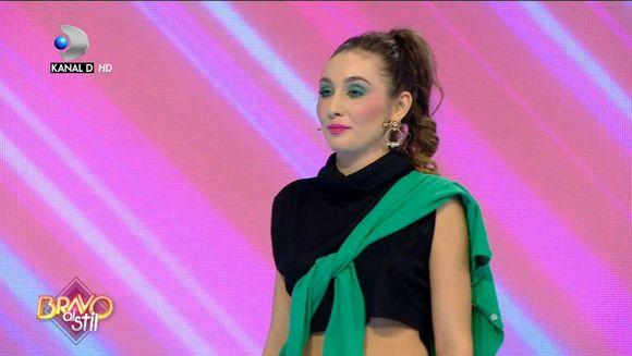 Ce parere au juratii despre tinuta Nadinei: ''Cam saracut imbracata''