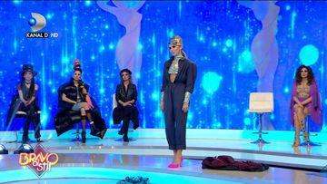Elena ii surprinde pe jurati: ''Ai mult stil''