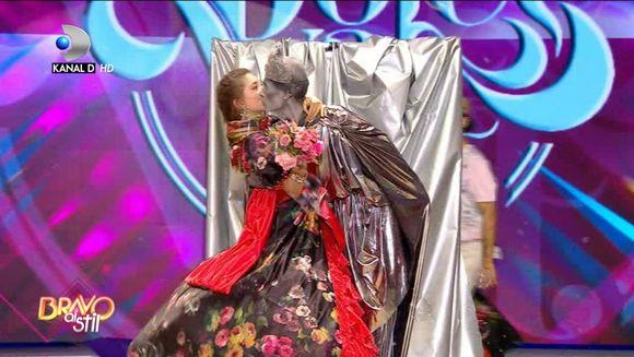 """Momente de senzatie in Gala """"Bravo, ai stil!"""" Afla care dintre concurente vor avea cele mai potrivite tinute pentru tema """"La dolce vita"""", in aceasta seara, de la ora 22:30, la Kanal D!"""