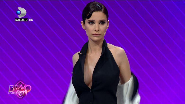 Deea Codrea s-a dezbracat, iar Raluca Badulescu era sa faca infarct! Momente fierbinti la Bravo, ai stil Celebrities