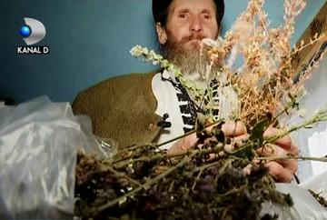 El este misteriosul vraci din inima muntilor, care stie secretul vindecarii cu plante si este o adevarata enciclopedie vie! Iata povestea lui Ruben Stanila!