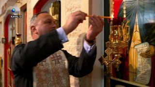 """Intr-o viata in care raiul e doar o promisiune, un preot intreprinzator ne propune o varianta aici, pe Pamant! Cu voia Domnului si pasiunea omului, duminica avem dezlegare la dulce, la """"Asta-i Romania"""", de la ora 22:00, la Kanal D!"""