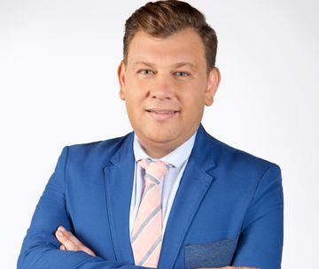 """Vișinel Bălan, din orfelinat, în Parlamentul României! Începând din acest weekend """"Asta-i România!"""" este difuzată în fiecare duminică, de la 14:30"""