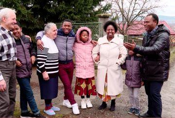 "Duminica, de la ora 14:30, la ""Asta-i Romania!"", ofamilie de africani, integrata perfect in satul Chinari, de mai bine de 13 ani"
