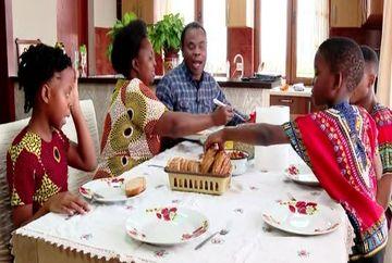 Lectia de normalitate aveam o primim la Chinari in Mures, unde locuieste o familie din Zimbabwe care de 13 ani traieste si simte romaneste!