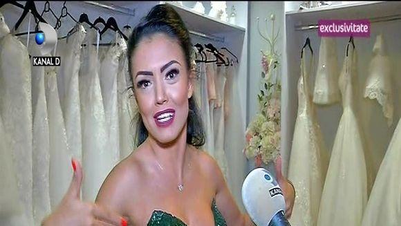 Andreea Mantea, maraton in magazinul de rochii de seara! Vedeta se afla in cautarea rochiei care iti ascunde imperfectiunile! Iata ce modele a ales!