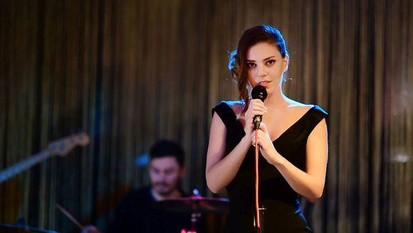 """Cine este actrita care intruchipeaza rolul principal in serialul de exceptie """"Mireasa din Istanbul"""", care va avea premiera maine seara, de la ora 20:00, la Kanal D!"""