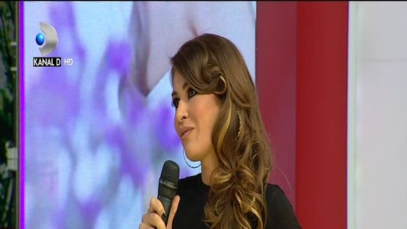 Cristina Mihaela ne invata cum purtam camuflajul, care este din nou in tendinte!