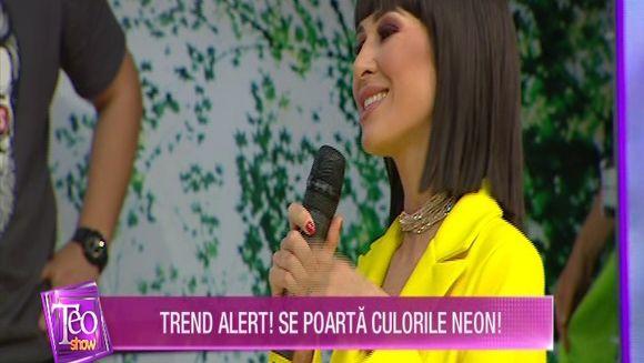 Cristina Mihaela ne invata cum sa purtam tinutele neon, la ''Secrete intre fete''!