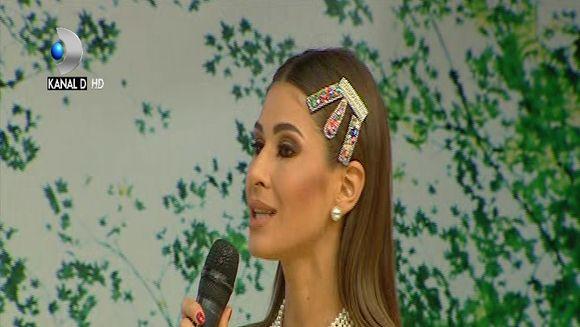Cristina Mihaela ne invata cum sa purtam agrafele ca pe bijuterii