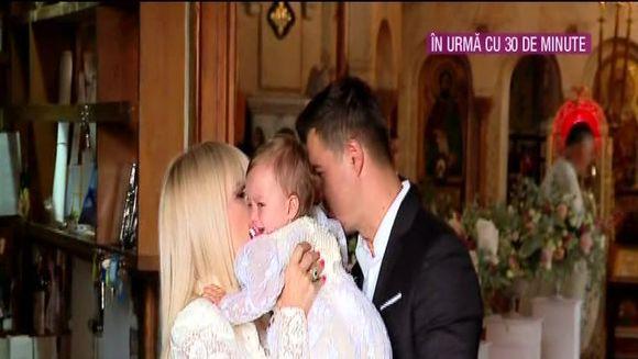 EXCLUSIV Primele imagini de botezul fiicei Elenei Udrea! Ce rochie a purtat fostul ministru