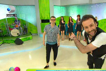 "Moment de senzatie in platoul ""Te vreau langa mine""! Adrian Sina si Mihail Gheorghe, colaborare inedita! Cei doi artisti au lansat impreuna piesa ""De cand te iubesc""!"