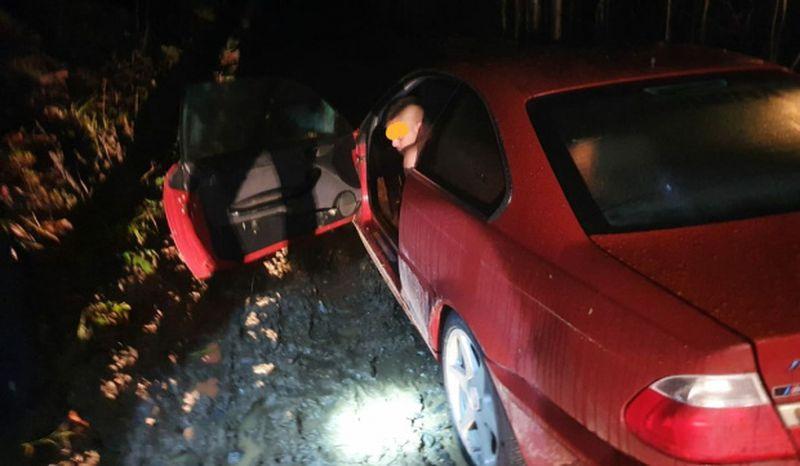 tânăr certat cu soţia şi soacra, prins gol-pușcă în BMW
