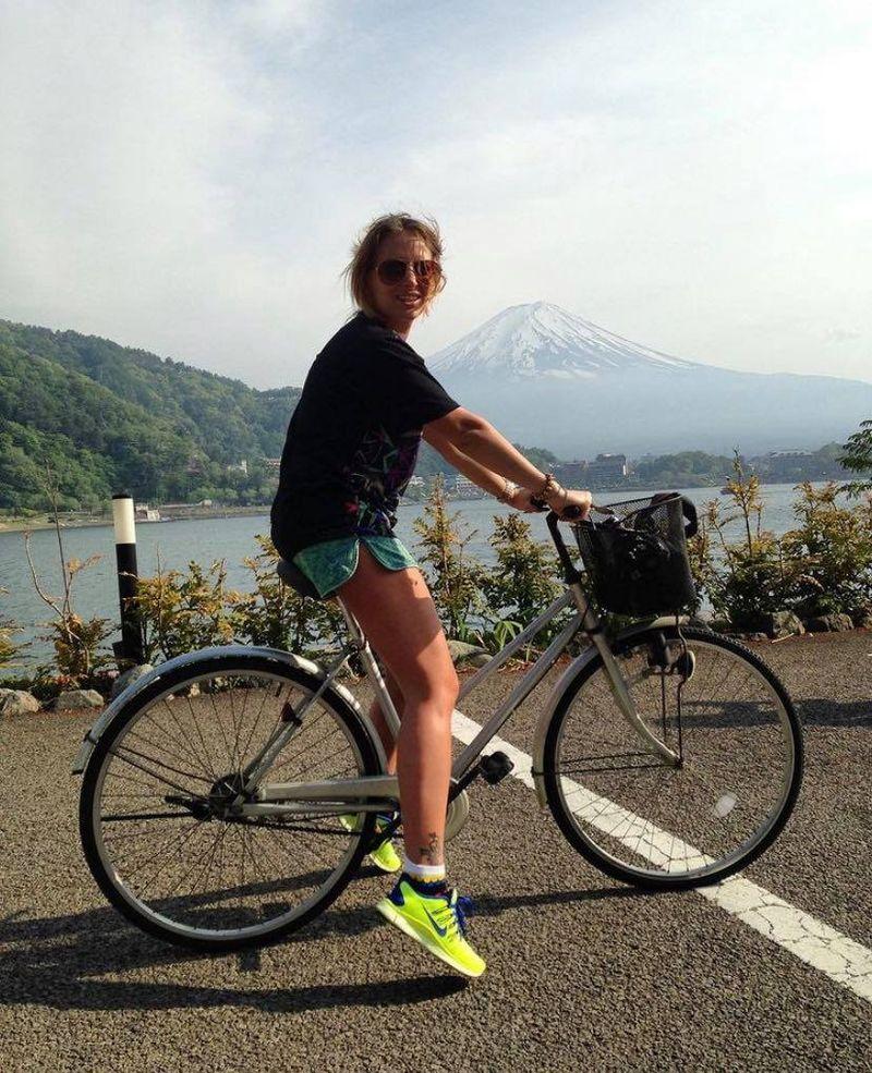 Delia vrea să își facă vlog de travel