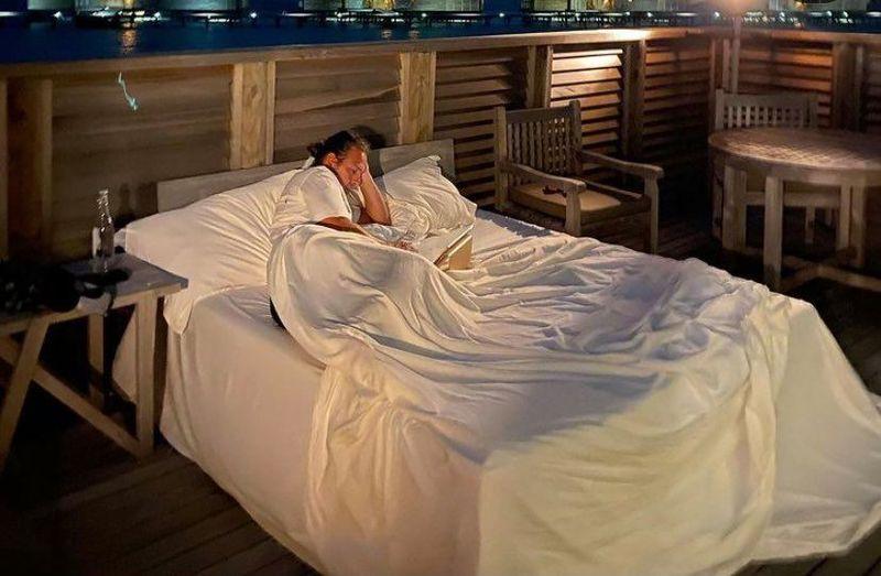 Delia și soțul ei au dormit sub cerul liber în vacanță
