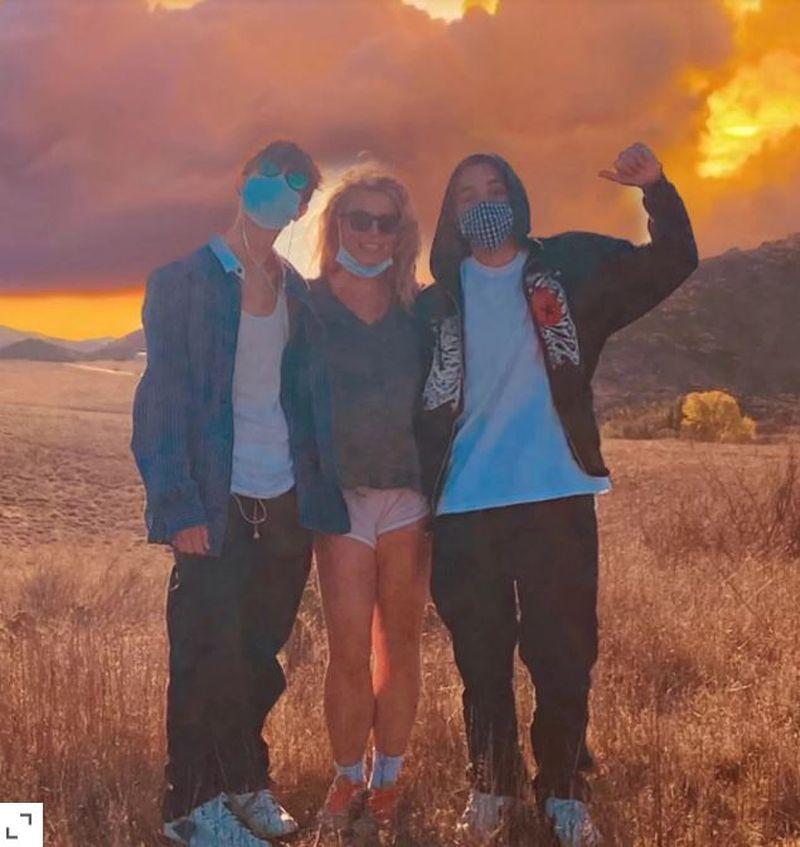 """Britney Spears, fotografie alături de fiii ei: """"Cum zboară timpul"""""""