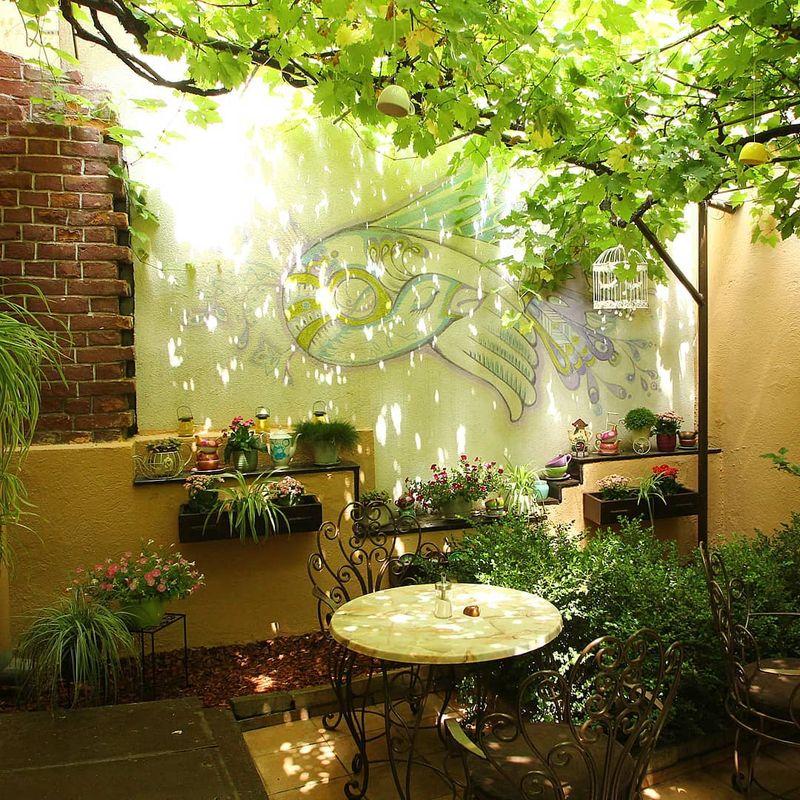 Top cinci cafenele din București unde să ieși să te relaxezi și să socializezi
