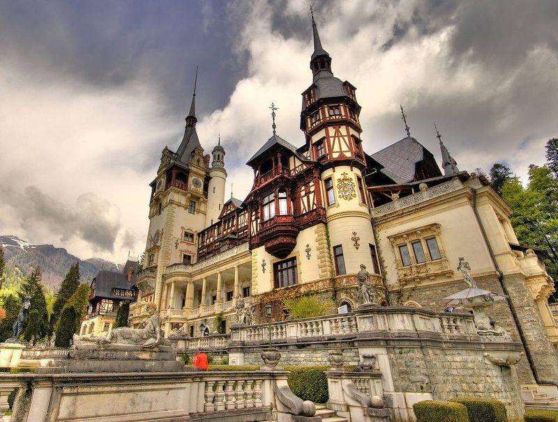 Care sunt cele mai importante monumente istorice din România și în ce an au fost construite