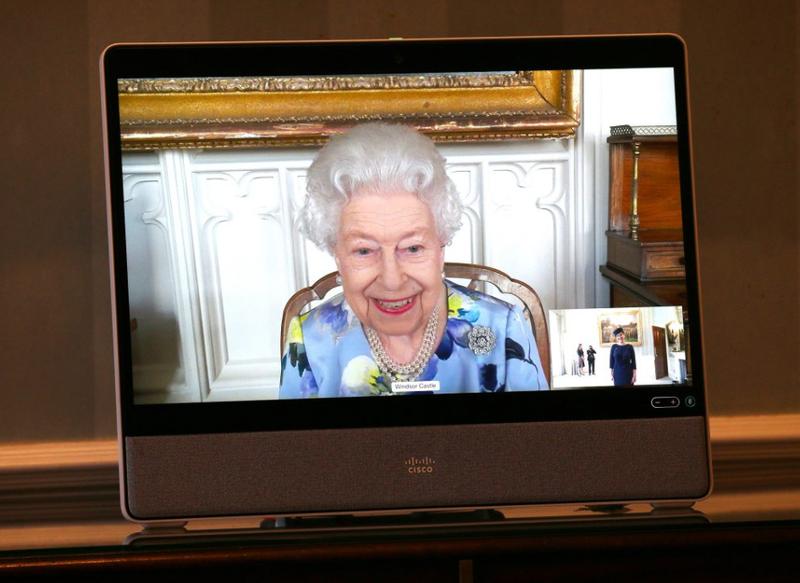 Regina Elisabeta a-II-a a susținut două întâlniri online la castelul Windsor