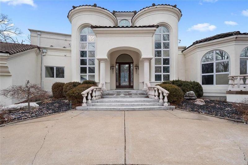 TOP 15 cele mai luxoase case deținute de rapperii americani. FOTO