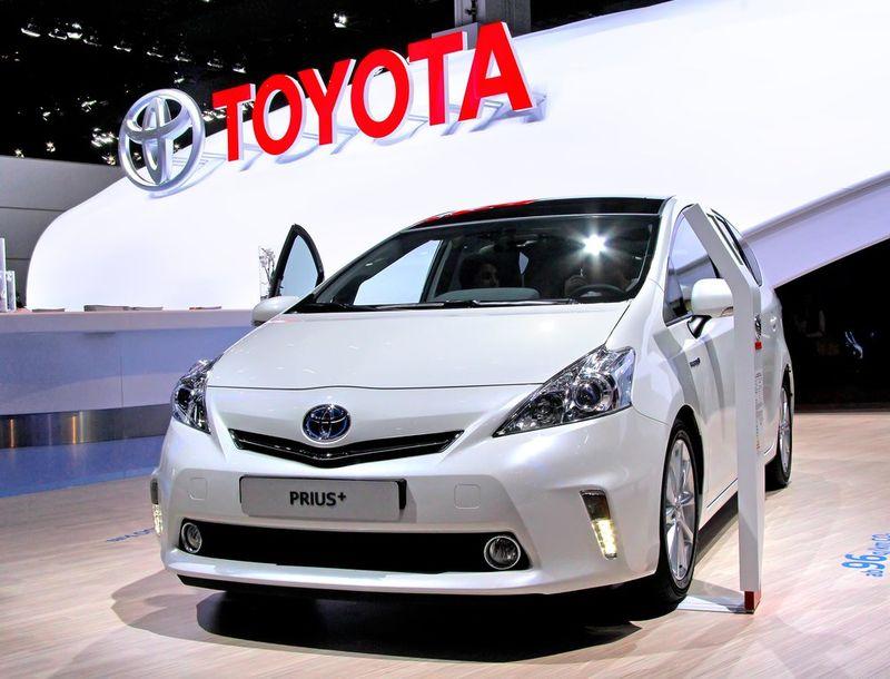Care sunt cele mai bune mașini hibrid în 2021. Se devalorizează mult mai greu decât cele clasice
