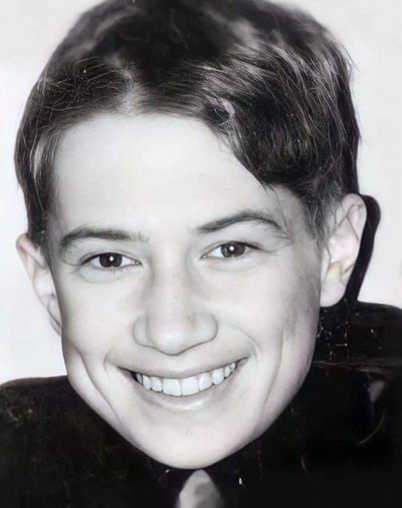 Imagini rare! Cum arăta în copilărie Mihai Bendeac, de pe vremea când era elev