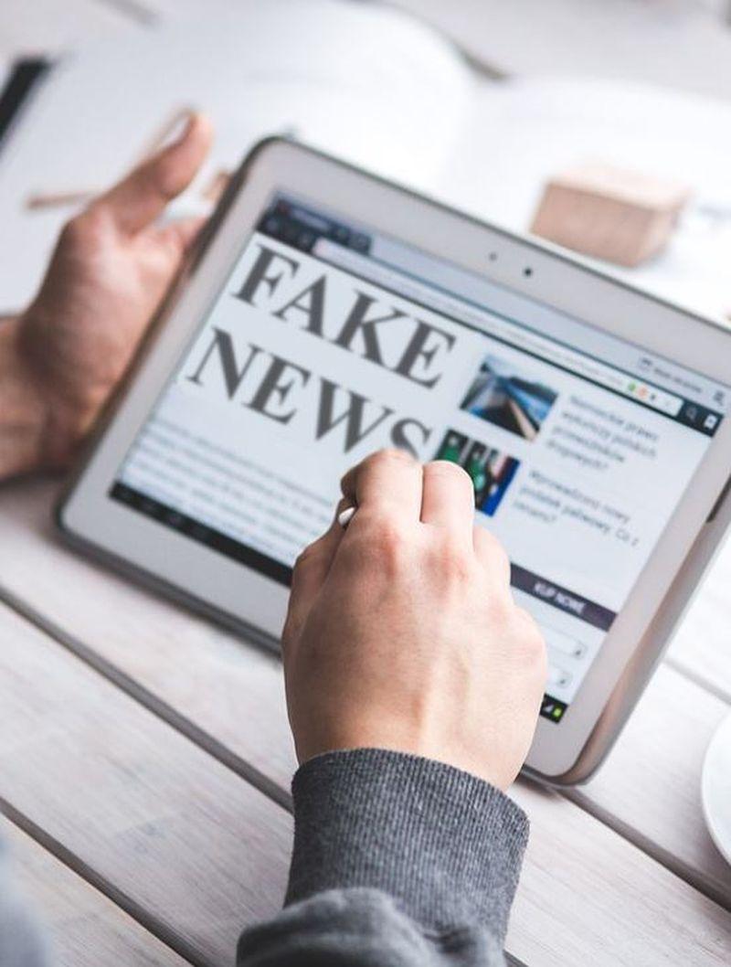 Facebook face un pas împotriva știrilor false