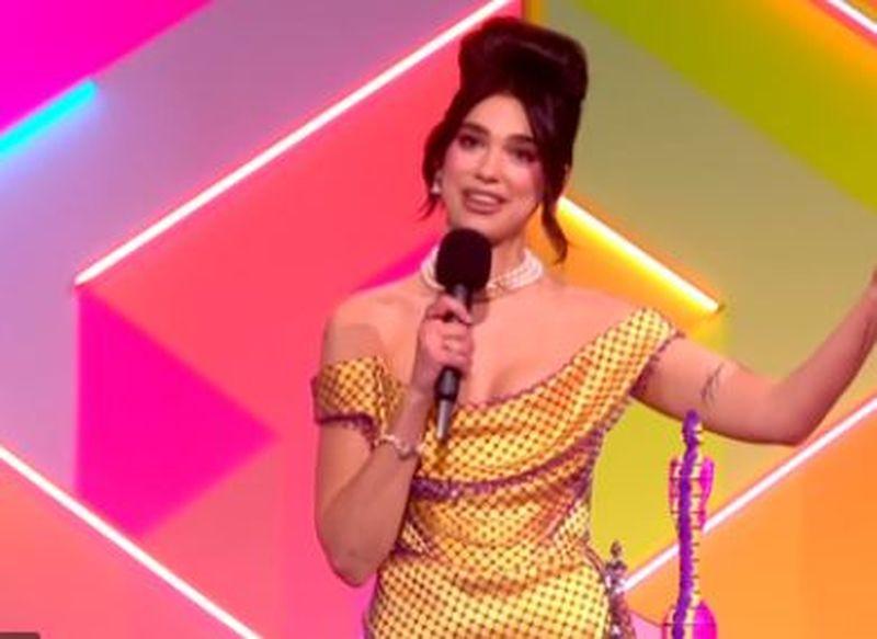Dua Lipa, marea câștigătoare a galei Brit Awards 2021! Artista a câștigat două trofee