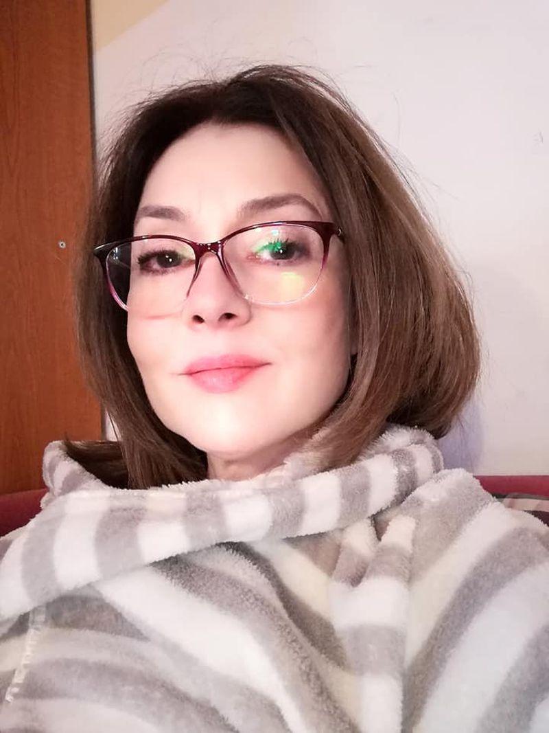 Oana Sârbu, actriţa din Liceenii împlineşte 53 de ani și e neschimbată