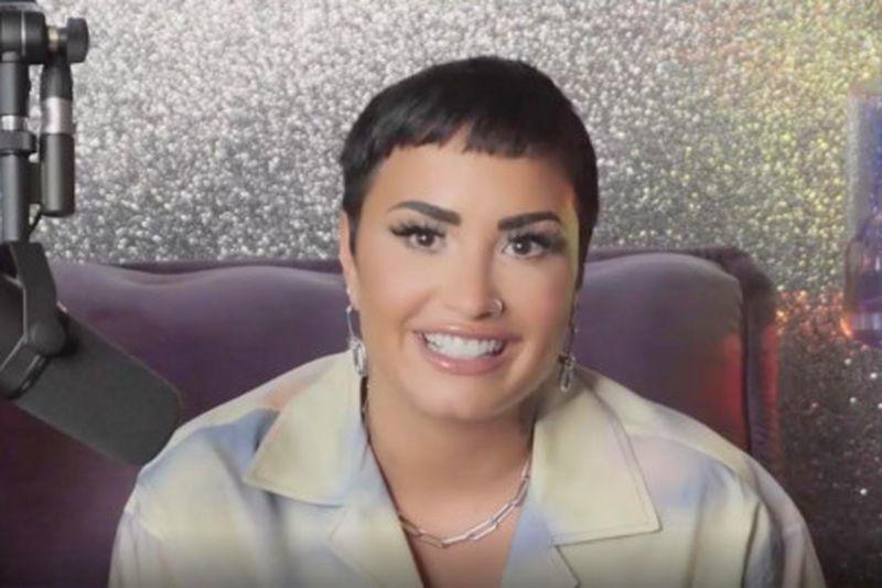 Demi Lovato se identifică o persoană non-binară. Ce înseamnă asta