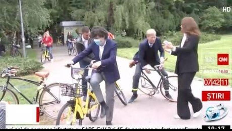 Ziua Internațională a Bicicletei! Șeful unei bănci a căzut în văzul tuturor
