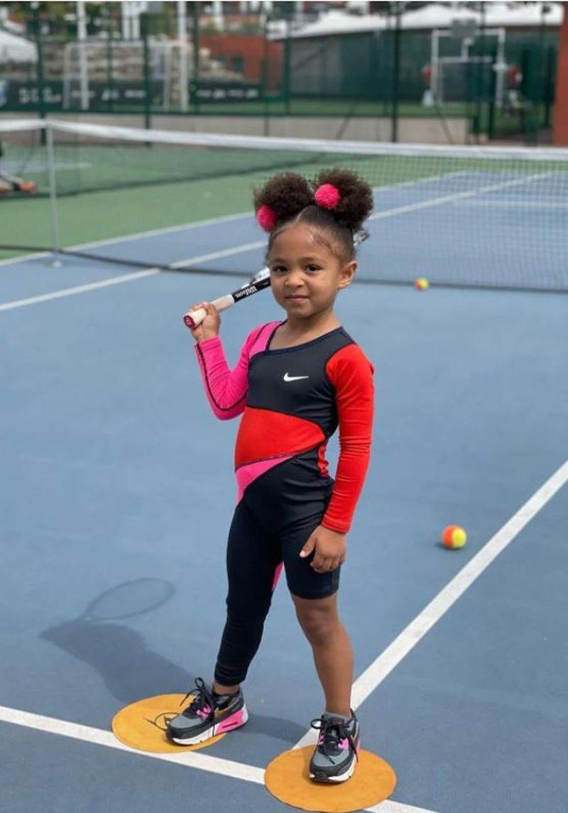 Fiica Sereni Williams, apariție sweet în varianta mini a echipamentului de tenis a mamei sale
