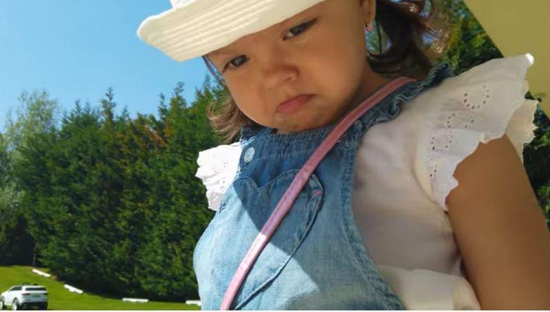 Fiica lui Karmen Minune, influencer! Are propriul show pe YouTube