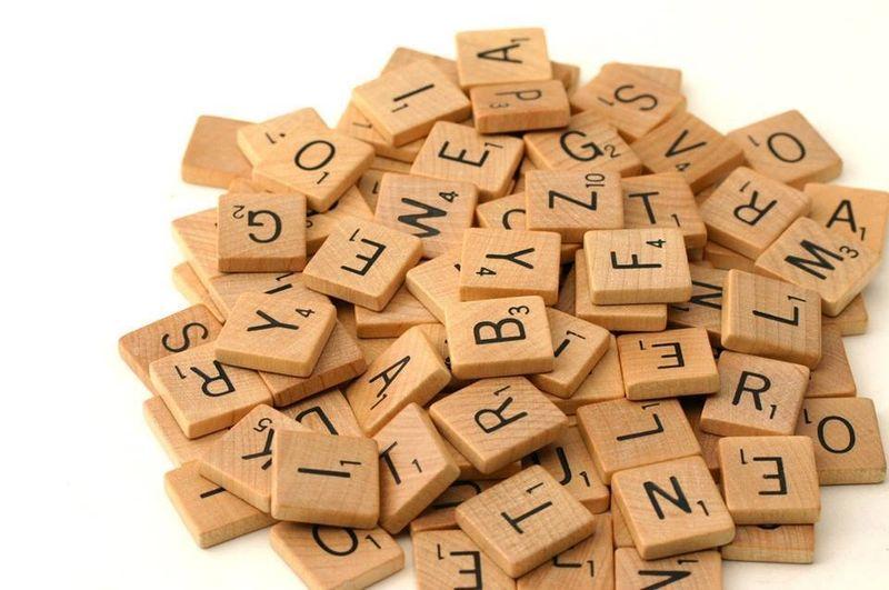 Cele mai frecvente şase verbe pe care le folosim greșit în limba română. Cum se scrie corect: mi-ar plăcea sau mi-ar place