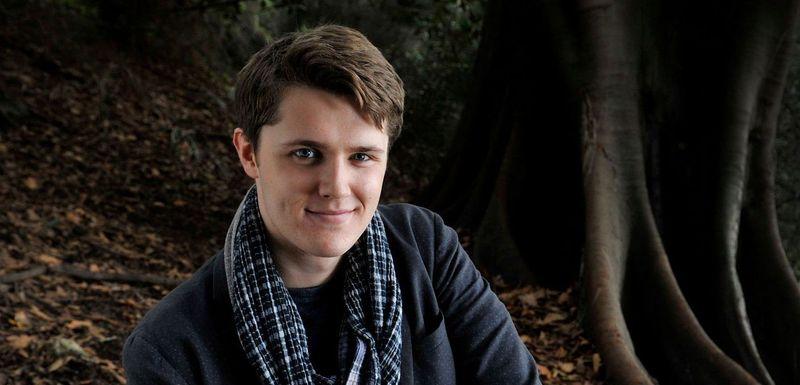 Eugene Simon, protagonistul serialului