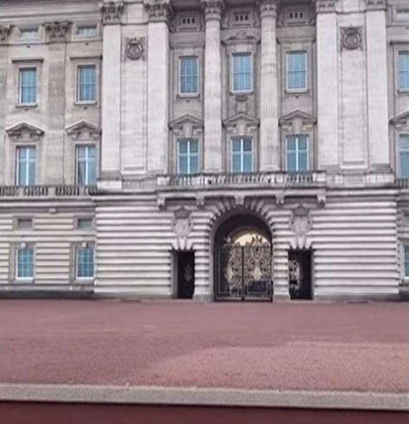 Vizita românului la Palatului Buckingham