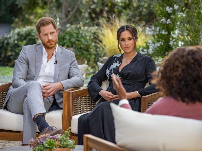 Prințul Harry și Meghan Markle, speră la o împăcare cu familia regală
