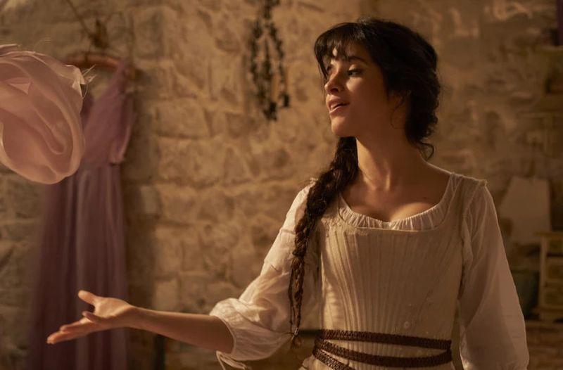 """Camila Cabello, rol principal în cea mai recentă ecranizare """"Cenușăreasa"""""""