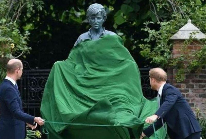 Motivul pentru care Prințul Charles și Regina nu au participat la dezvelirea statuii Prințesei Diana