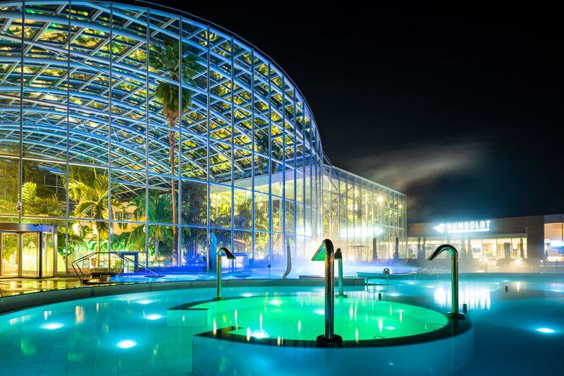 TOP 5 cele mai frumoase piscine și parcuri acvatice din București. FOTO
