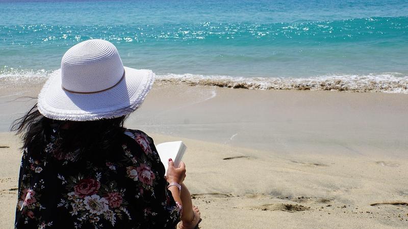 Cele mai bune cinci cărți de citit în vacanță