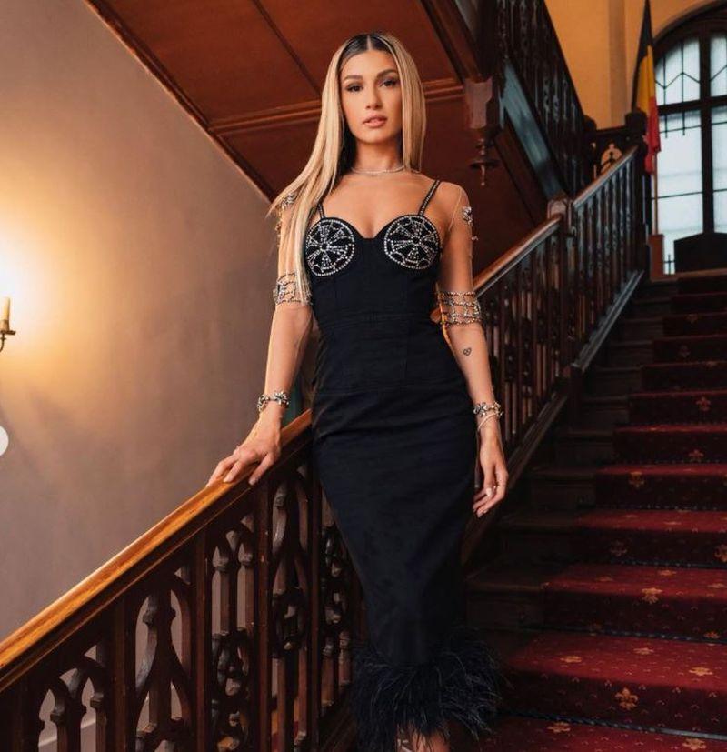 Alina Eremia a lansat o versiune live a piesei