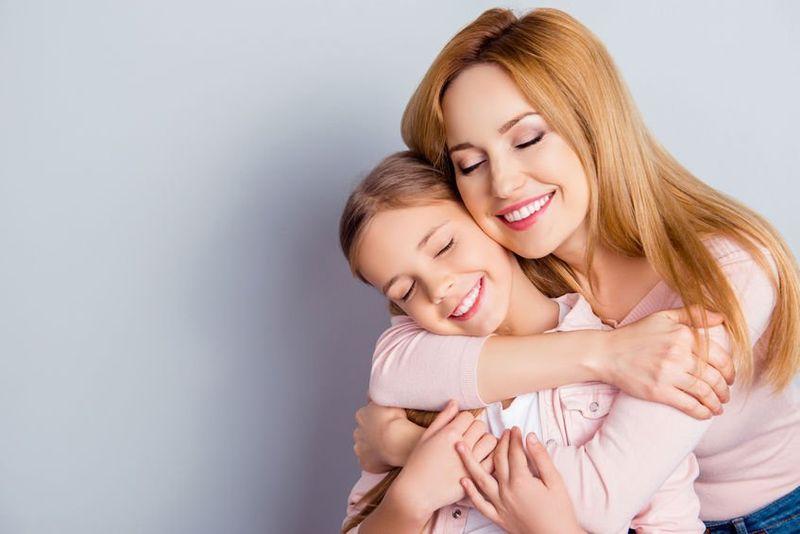 19 iulie. Ziua Mondială a Îmbrățișării copilului. Cum a luat naștere această zi