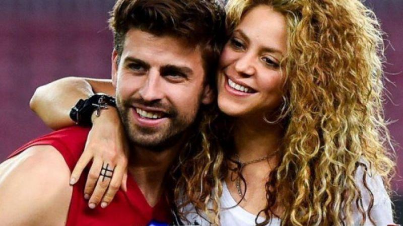 Shakira are o relație cu fotbalistul Gerard Pique