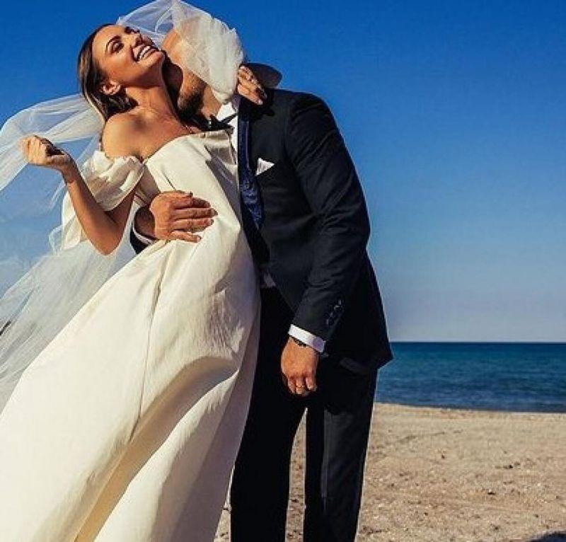 Alexandra Stan, primele imagini după ce soțul ei, Emanuel Necatu, a confirmat despărțirea! Artista a renunțat la verighetă