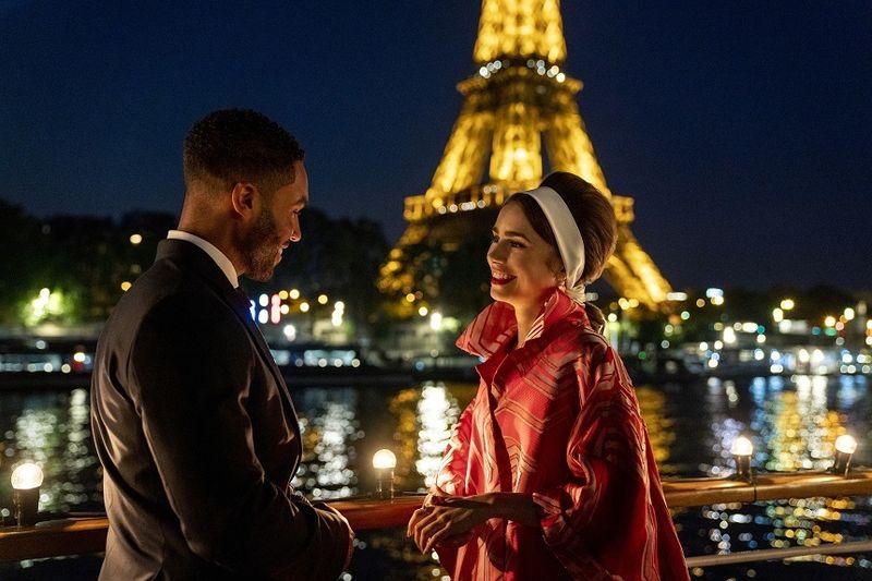 """Sezonul doi al serialului """"Emily in Paris"""" se lansează anul acesta"""
