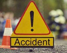 Accident GRAV - Un autobuz în care se aflau 20 de pasageri, lovit în plin de o dubă