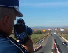 Senator liberal, preşedintele PNL Botoşani, lăsat fără permis. A fost prins gonind prin localitate cu peste 100 km/h