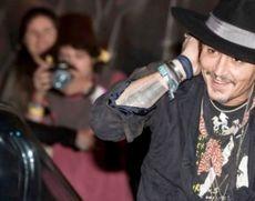 Procesul în care Johnny Depp e acuzat că a agresat un membru al echipei filmului 'City of Lies' a fost amânat