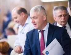 Adrian Ţuţuianu o sapă pe Viorica Dăncilă: 'Susţinem moţiunea de cenzură. Prima noastră opţiune e Pro România-PSD-ALDE'